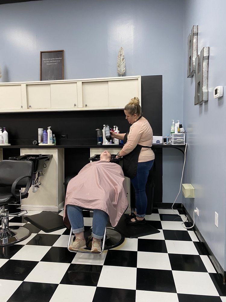 Hair Headlines: 11246 N Main St, Archdale, NC