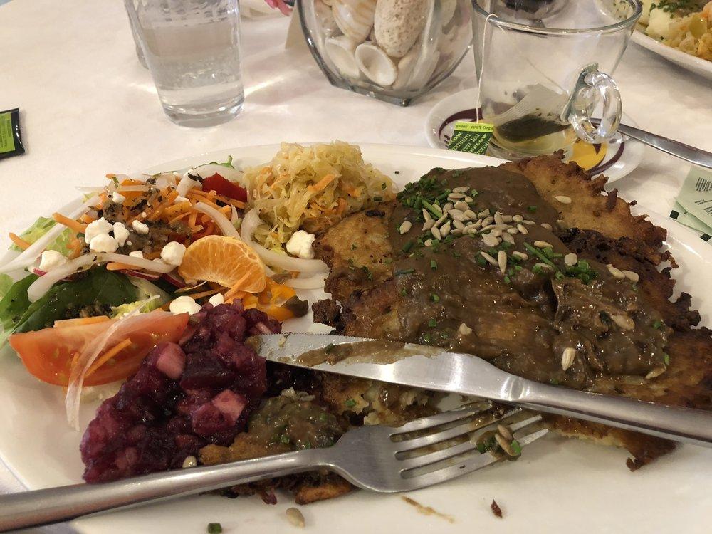 EuroCafe Real Food & Deli: 82 Main St, Geneseo, NY
