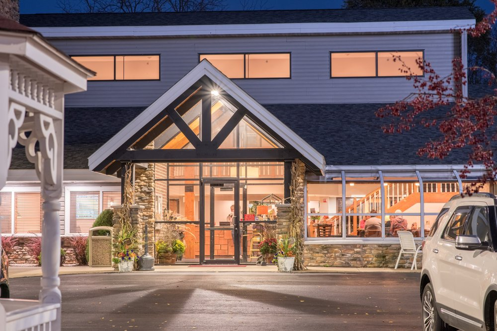 River District Hotel: 130 S Main St, Prairie Du Chien, WI
