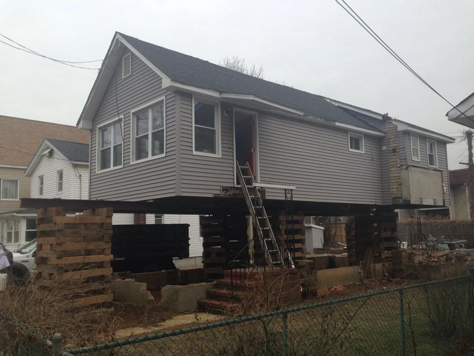 Pete Sommer House Lifter: 960 Hwy 36, Middletown, NJ