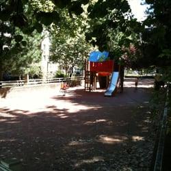 aire de jeux ferrandi re playgrounds 7 place ferrandi re 3 me arrondissement lyon france. Black Bedroom Furniture Sets. Home Design Ideas