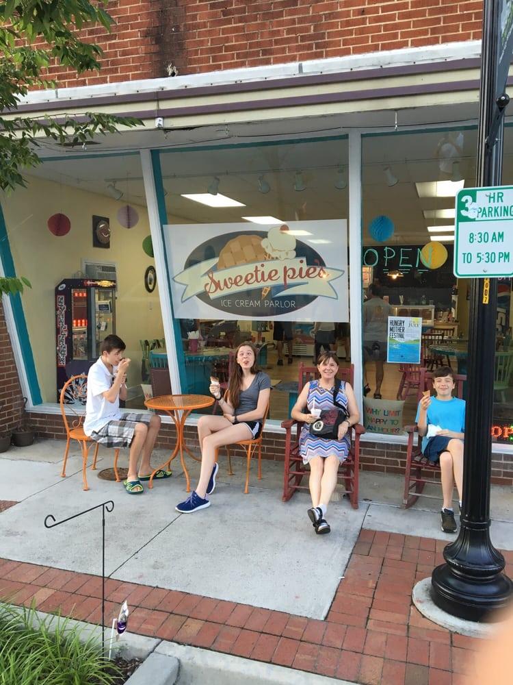Sweetie Pies: 113 Broad St, Marion, VA