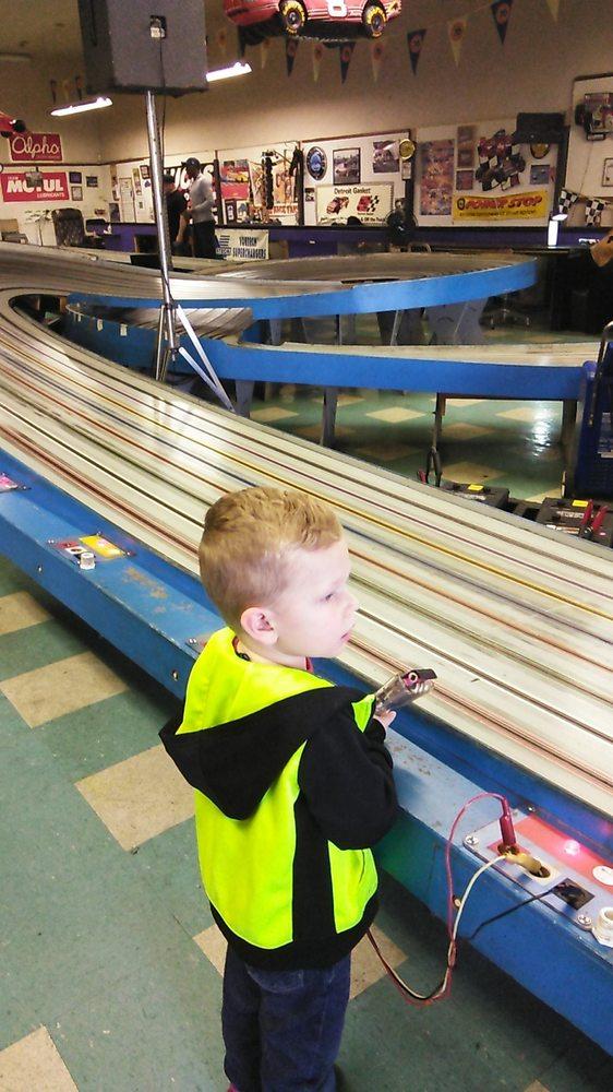 Eddie's Slot Car World: 1021 Tennessee St, Vallejo, CA