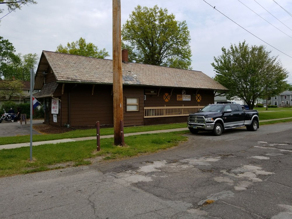 Broad Street Station Cafe: 75 E Broad St, Newton Falls, OH