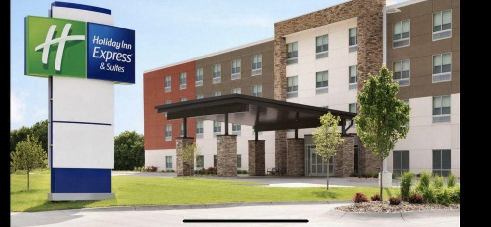 Holiday Inn Express & Suites Ft Myers Beach-Sanibel Gateway