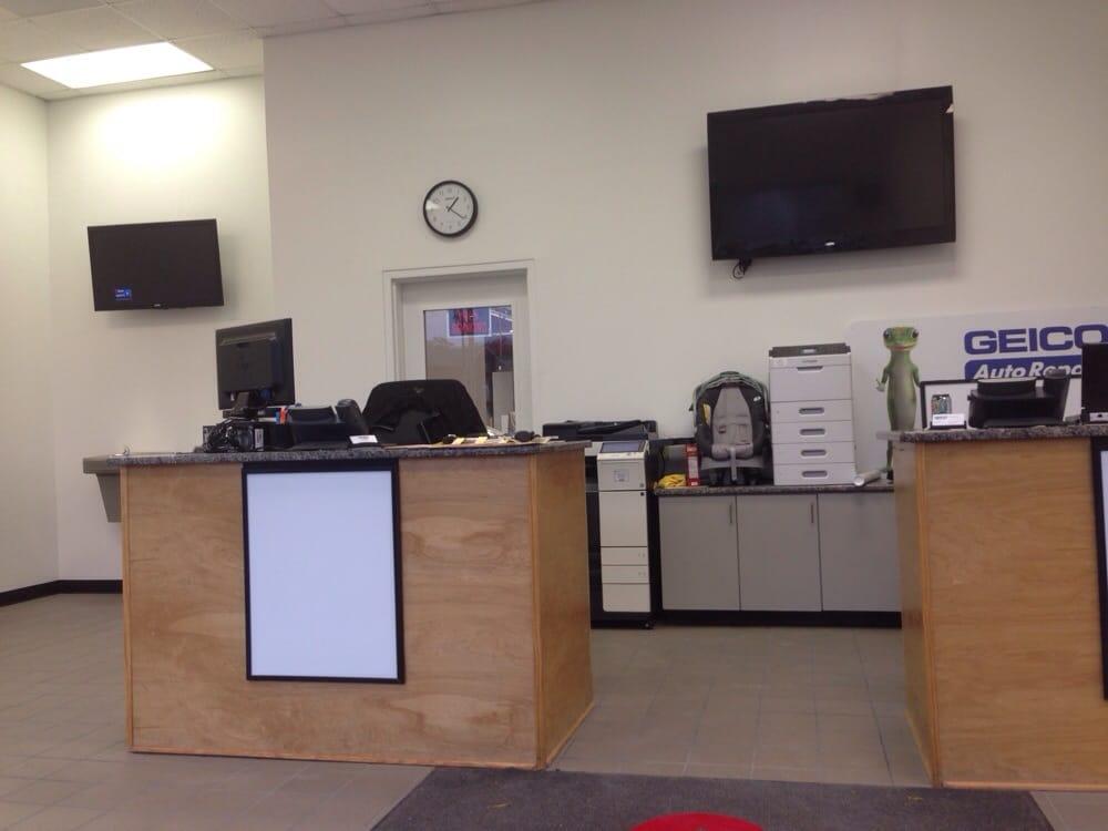 Hendrick Collision Center Hwy 55
