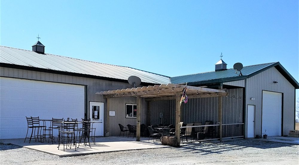 Blackhawk Winery and Vineyard: 28153 Ditch Rd, Sheridan, IN