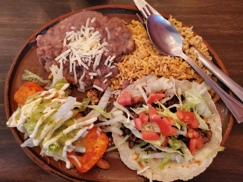 Food from El Tlahualil Mexican Restaurant