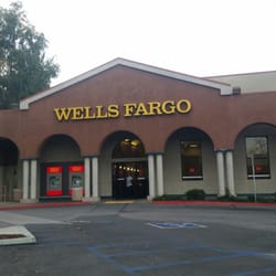 how to become a banker at wells fargo