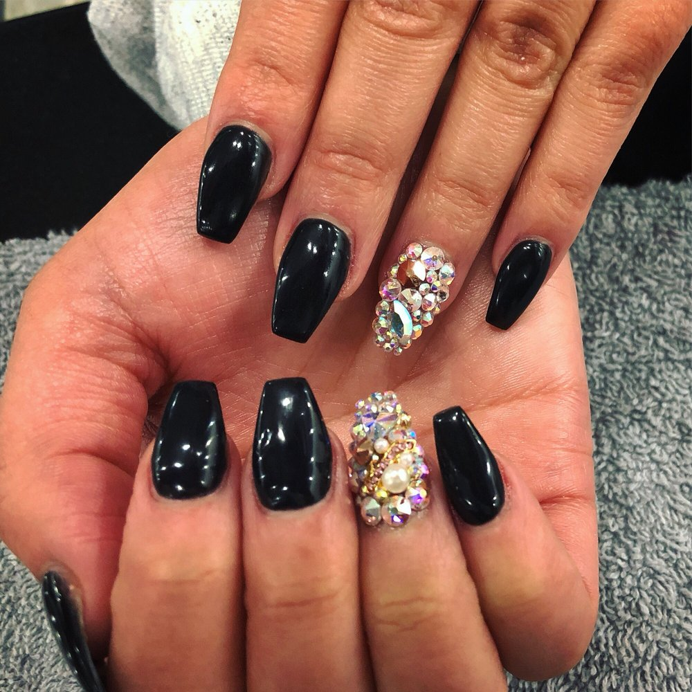 East Peoria Nail Salon Gift Cards - Illinois | Giftly