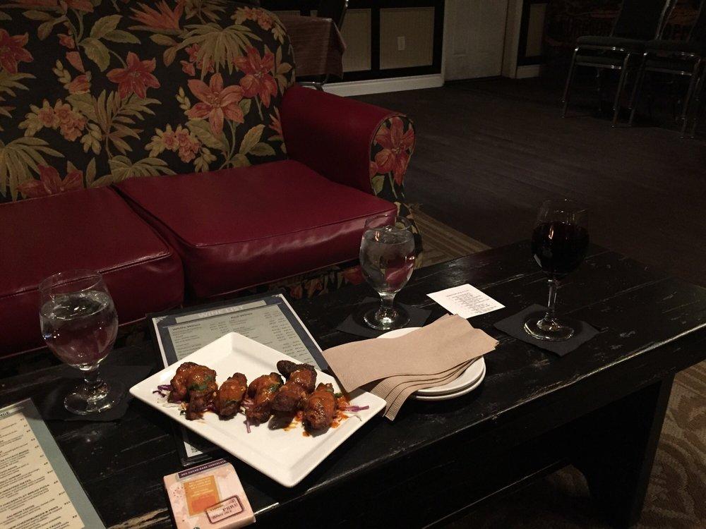 Fireside Lounge: 895 W Main St, Silverton, OR