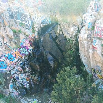Graffiti Waterfall 164 Photos Amp 43 Reviews Hiking