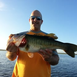 Florida bass fishing boat charters 1326 sweetwood blvd for Central florida fishing charters