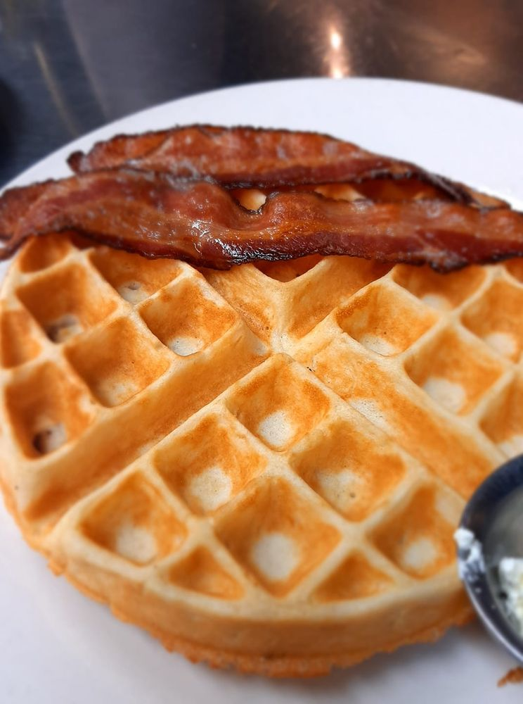 Fresh Egg Restaurant: 20609 Torrence Chapel Rd, Cornelius, NC