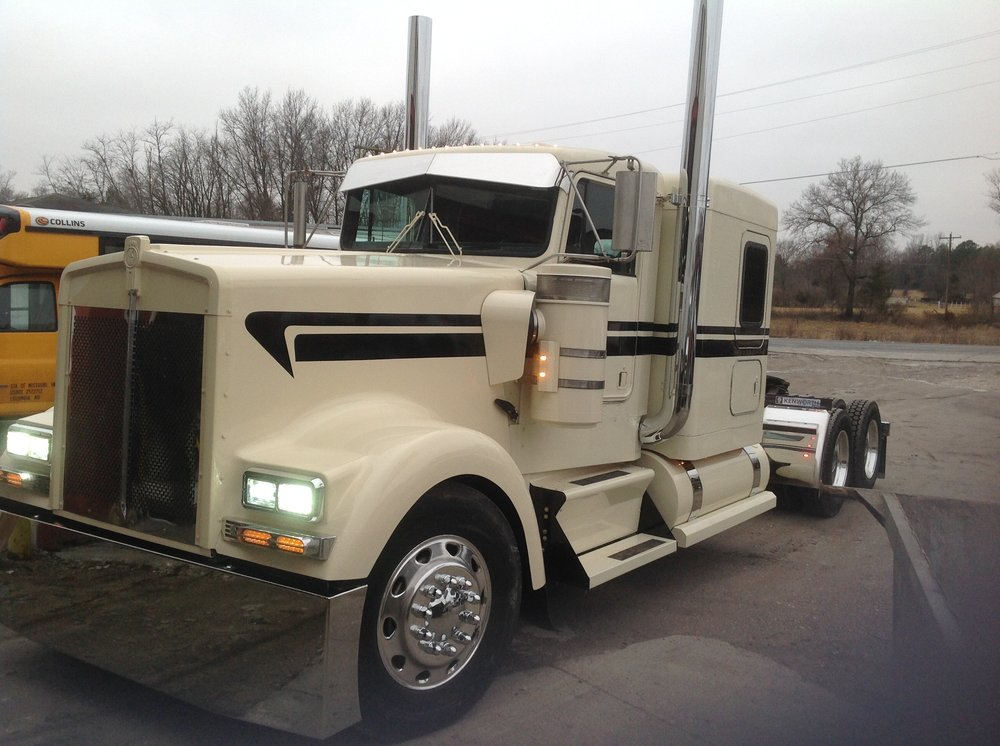 Commercial Truck & RV: 7400 I-70 Dr SE, Columbia, MO