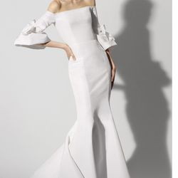 8dc8af85054 Carolina Herrera - 10 Photos - Bridal - 954 Madison Ave