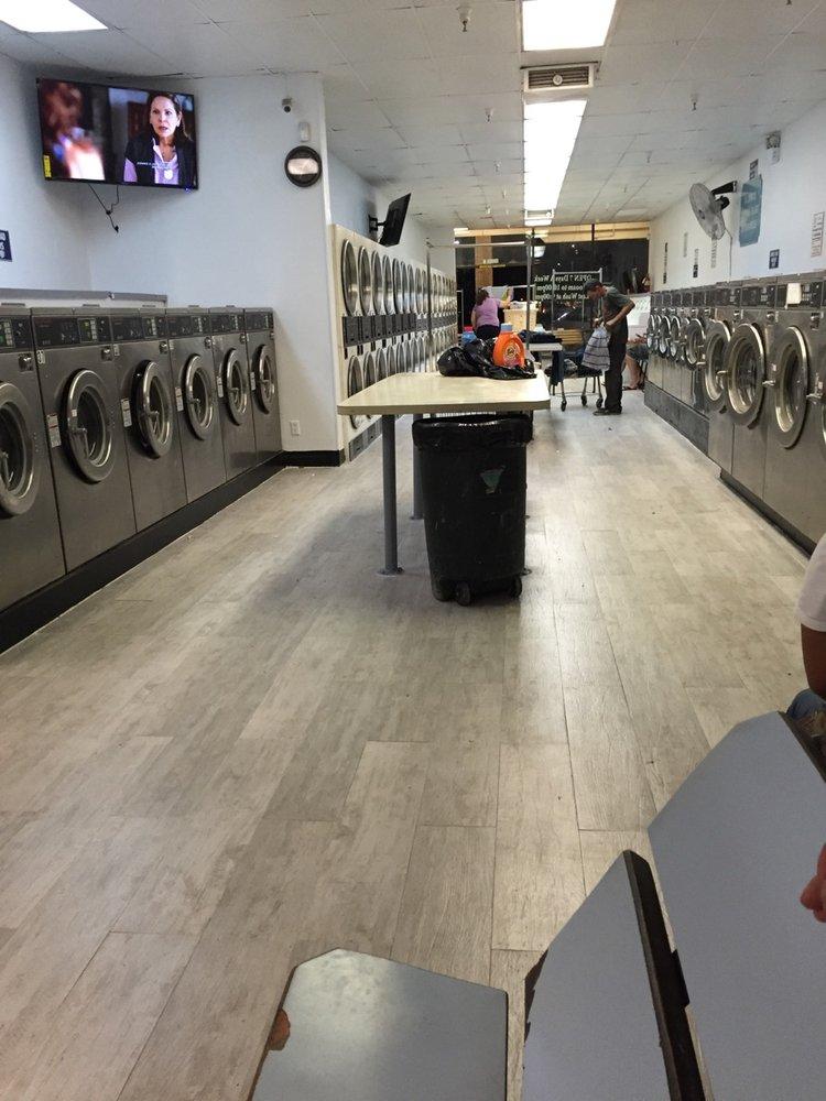 It's Laundryday: 1650 E Hatch Rd, Modesto, CA