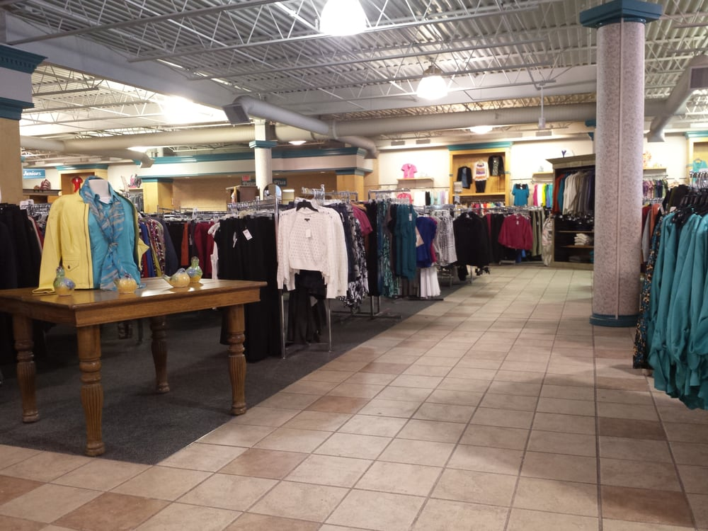 Peter Harris Clothes: 952 Troy Schenectady Rd, Latham, NY