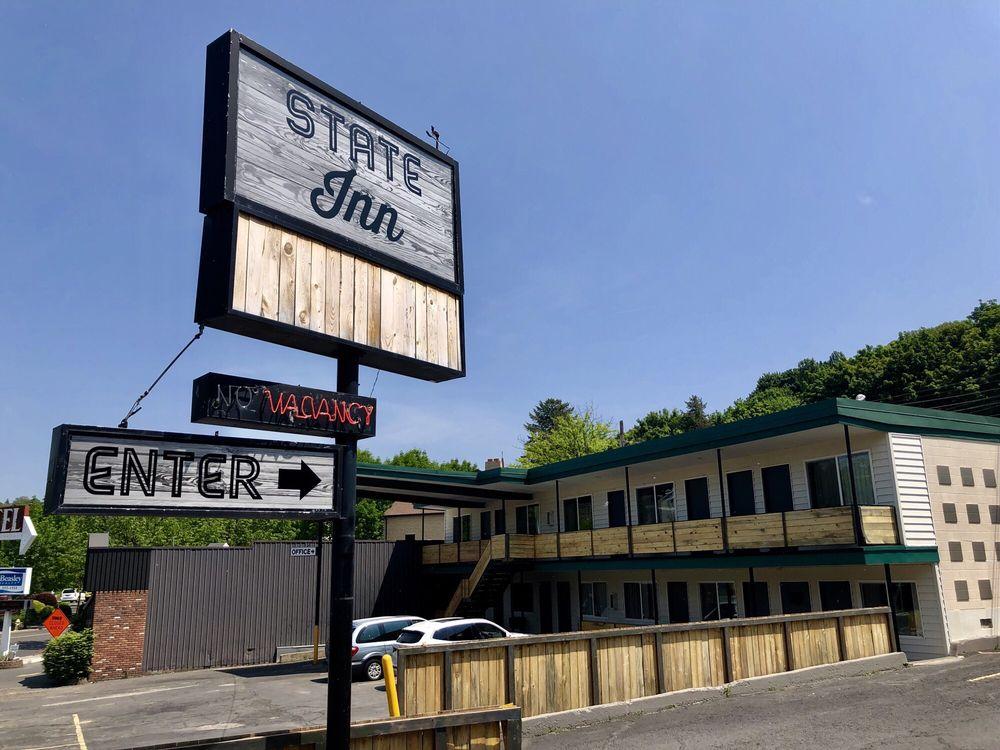 The State Inn: 455 SE Paradise St, Pullman, WA