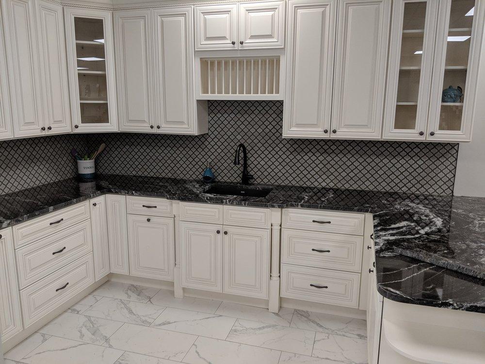 Akels Carpet One Floor & Home: 11121 N Rodney Parham, Little Rock, AR