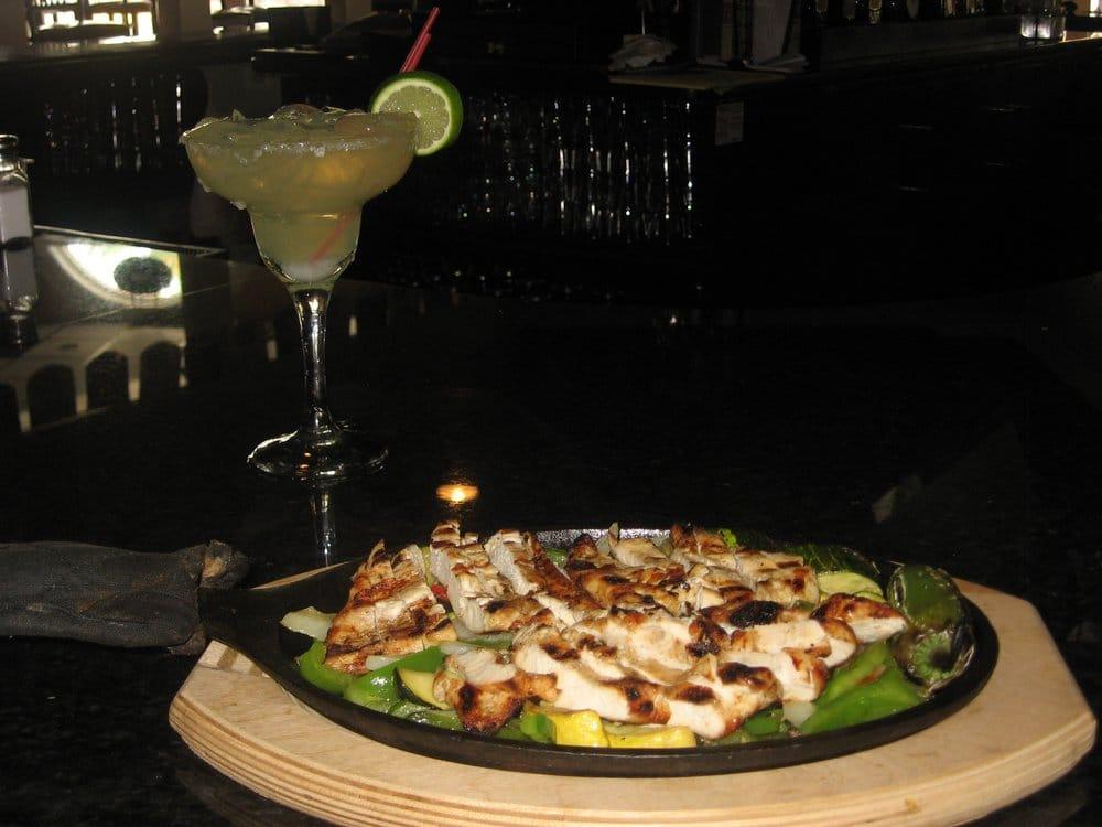 90 Grados Restaurant Sports Bar: 8509 Rixlew Ln, Manassas, VA