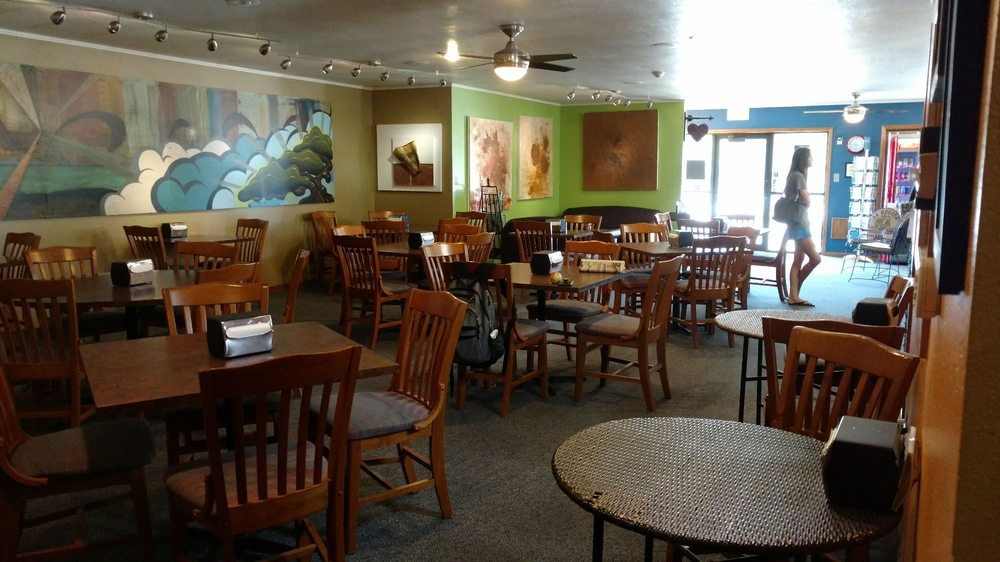 Central Perk & Dessert: 14 S 14th St, Fort Dodge, IA
