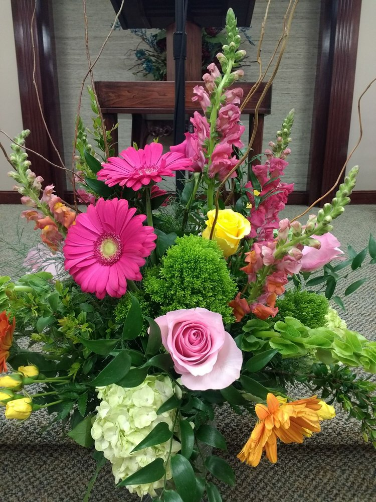 Wilson Florist and Gifts: 1328 Main St, Gardendale, AL