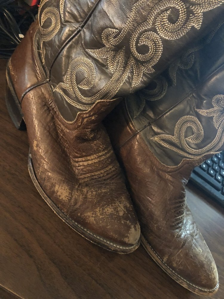 Ervin Shoe Repair: 209 Bedford Rd, Bedford, TX