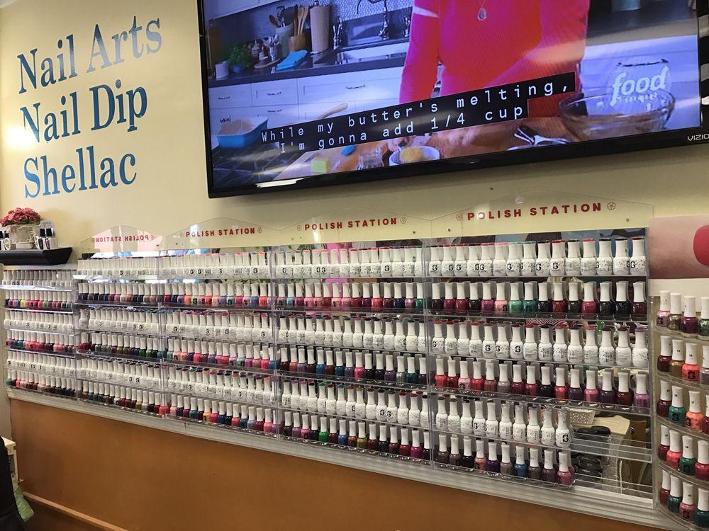 Us Nails: 240 Hwy 31 SW, Hartselle, AL