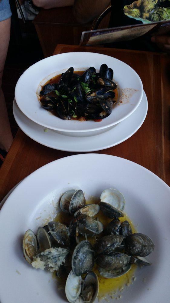 Neptune's Seafood Pub: 8800 Chesapeake Ave, North Beach, MD