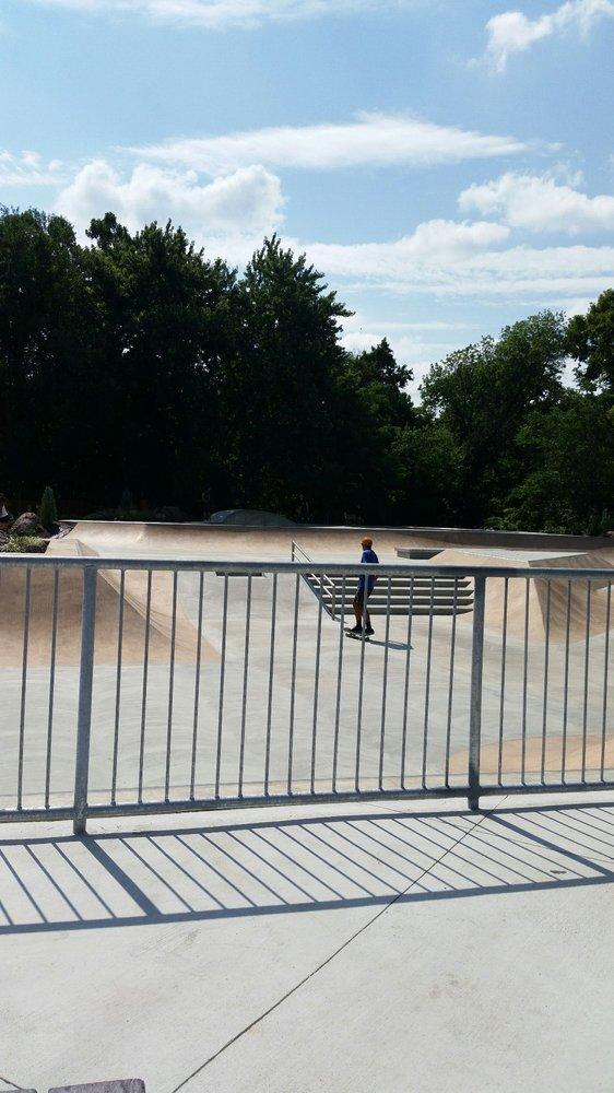 Catoctin Skatepark: 141 Catoctin Cir SE, Leesburg, VA