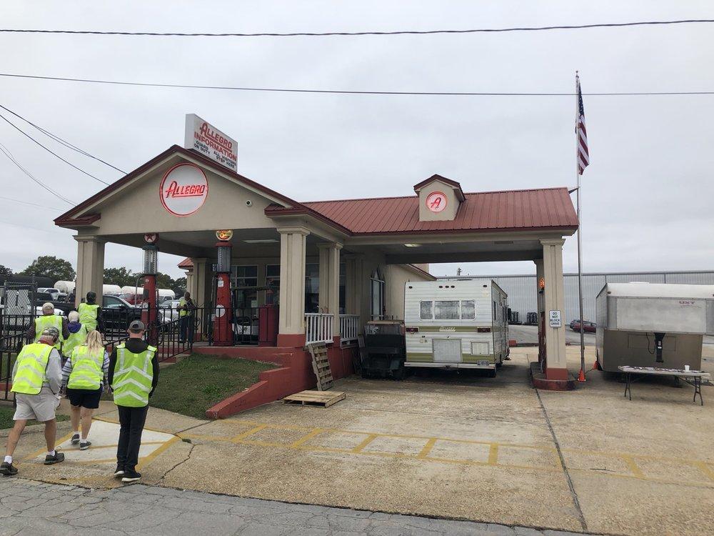 Tiffin Motor Homes: 105 2nd St NE, Red Bay, AL