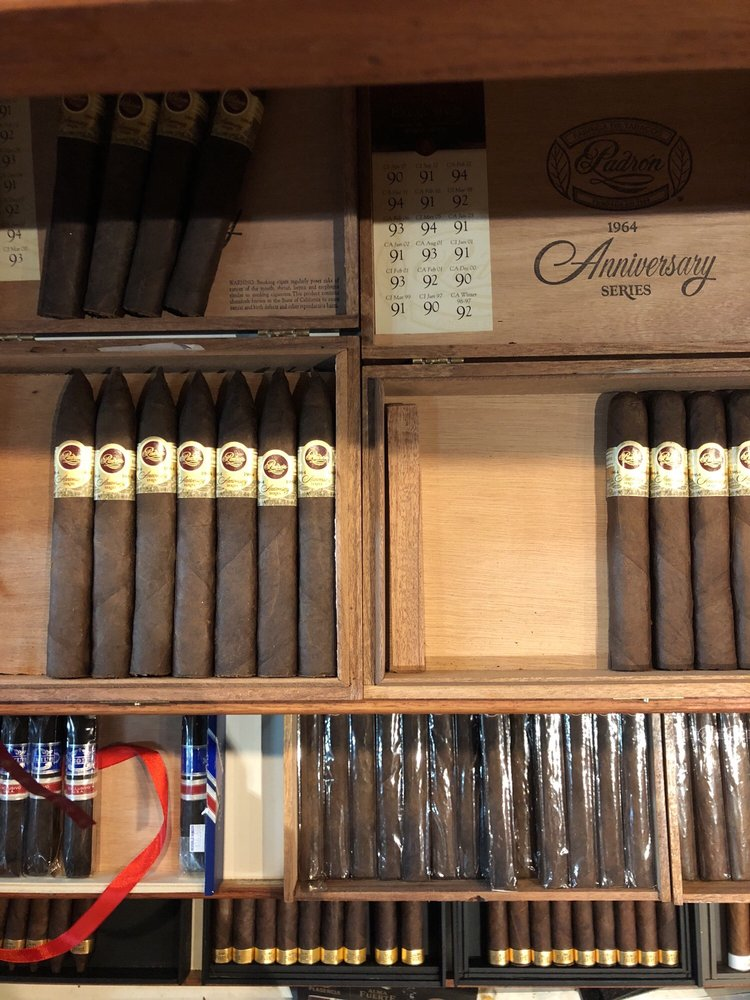 Mom's Cigar & Lounge: 230 W Old Country Rd, Hicksville, NY