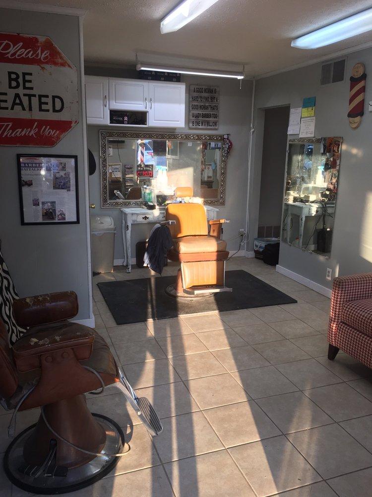 Lisa's Barber Shop: 3042 Lone Oak Rd, Paducah, KY
