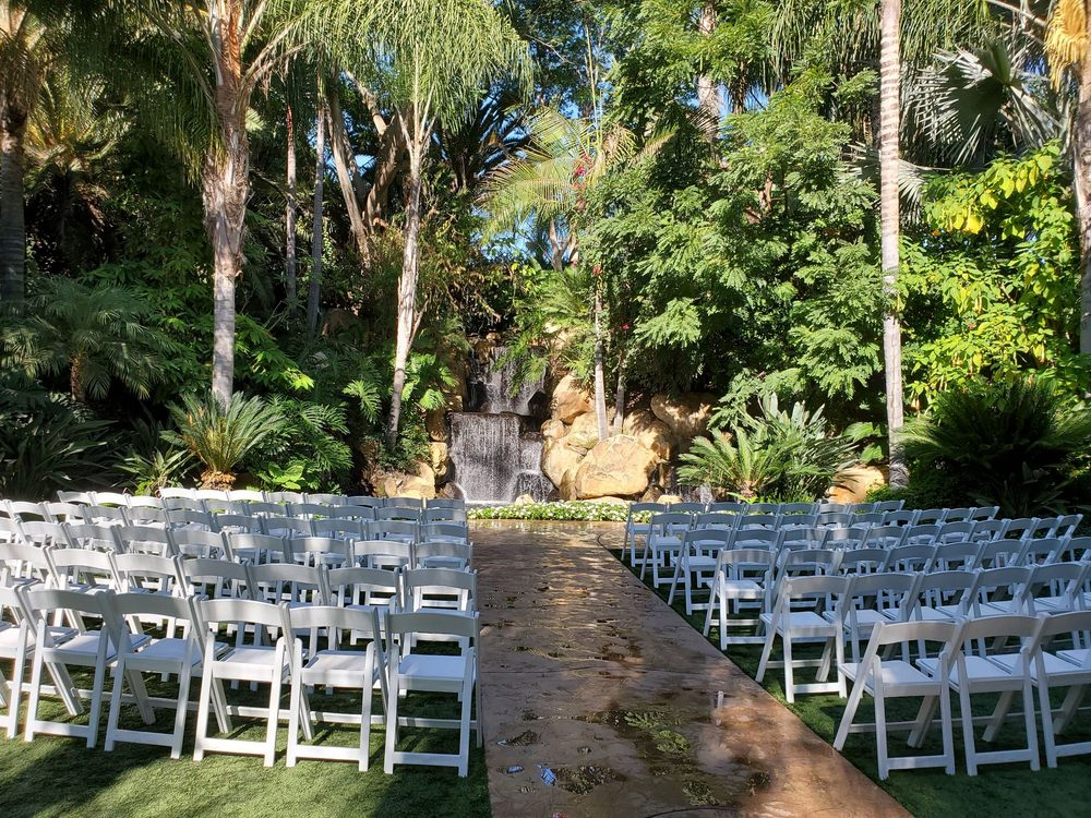 The Grand Tradition Gardens: 220 Grand Tradition Way, Fallbrook, CA