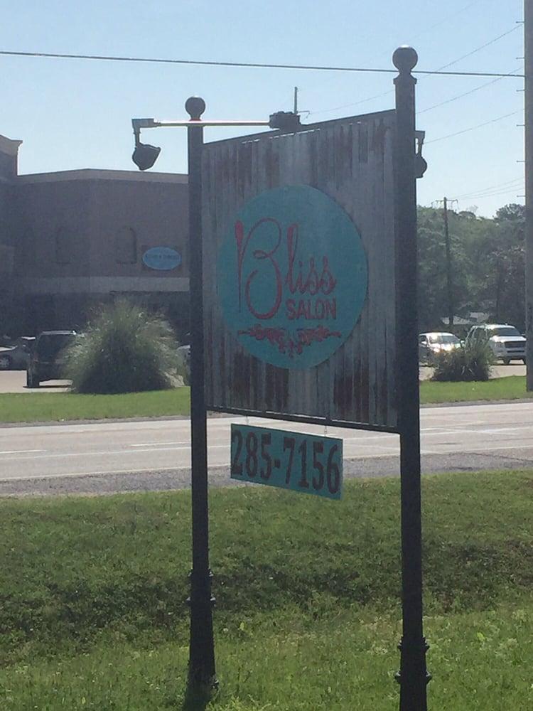 Bliss Salon: 200 Deatsville Hwy, Millbrook, AL