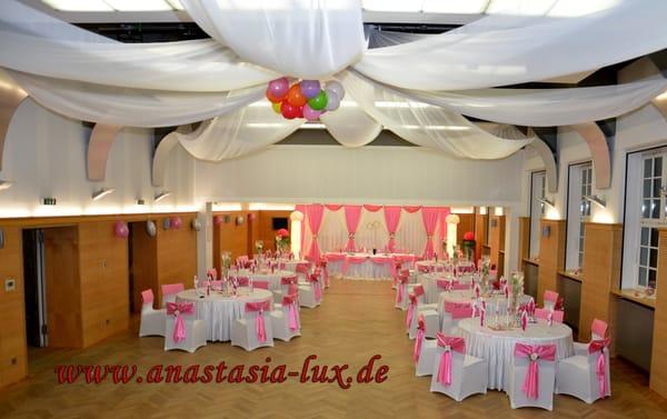 Brautmode hochzeitsdekoration anastasia lux bridal Hochzeitsdekoration