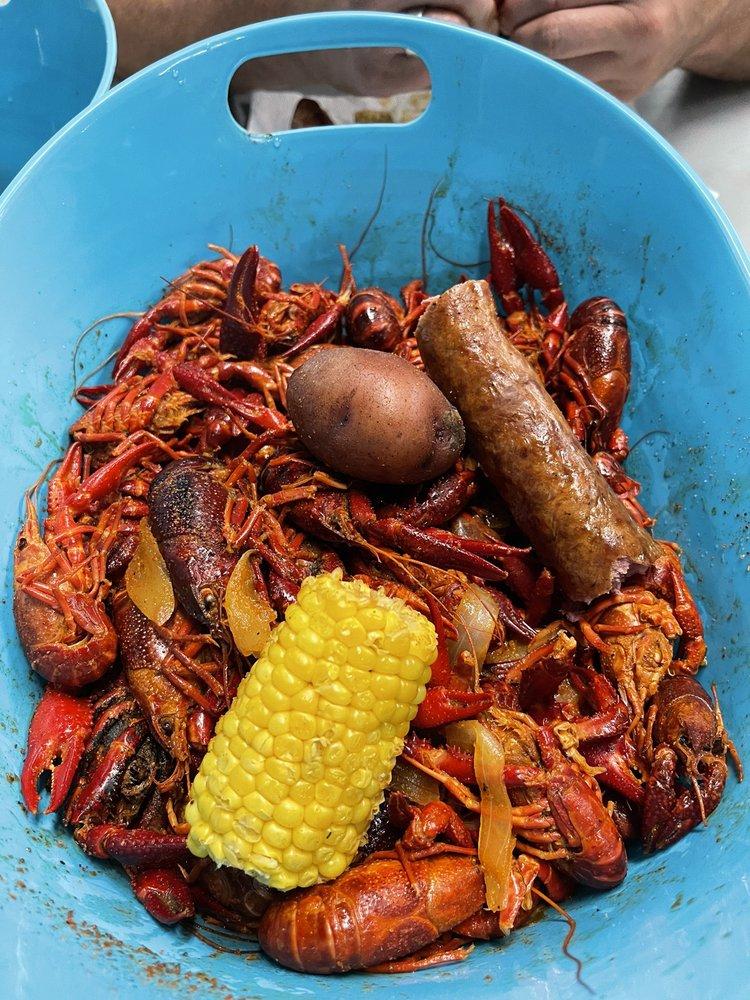 Buster's Crawfish - Cleburne: 1707 S Main St, Cleburne, TX