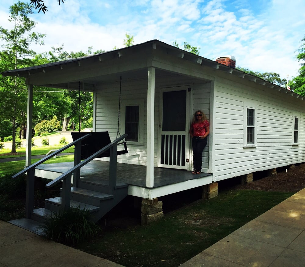 Apartments In Tupelo Ms: The Tiny Two Bedroom Shack Where Elvis Was Born.. In The