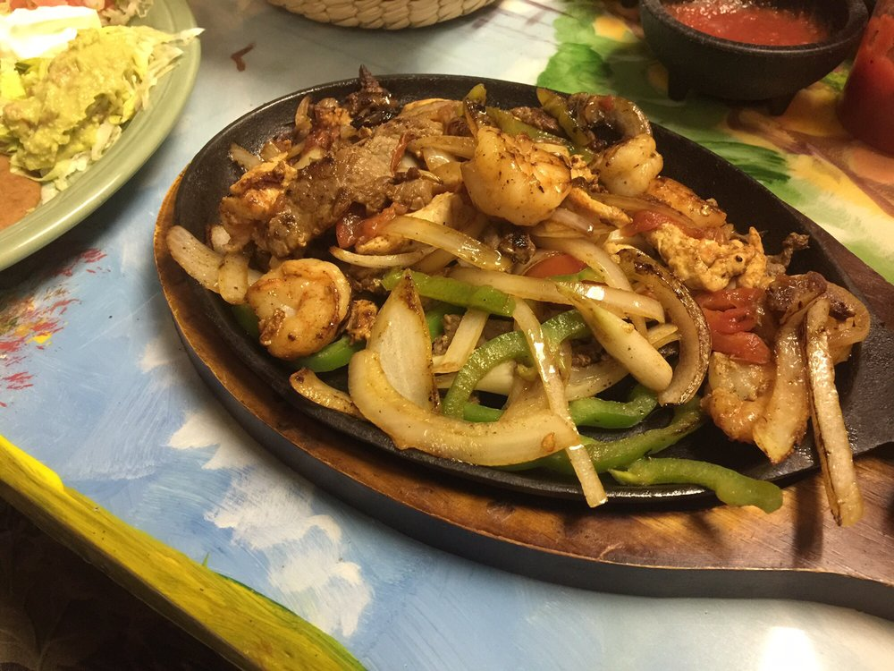 Los Arcos Mexican Grill: 319-399 S 9th St, Stockton, KS