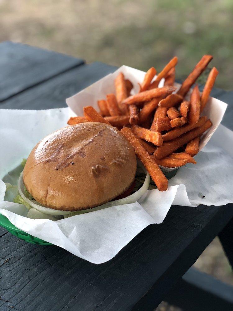 Jay & Diane's Horseshoe Grill: 12020 Fm 306, Canyon Lake, TX