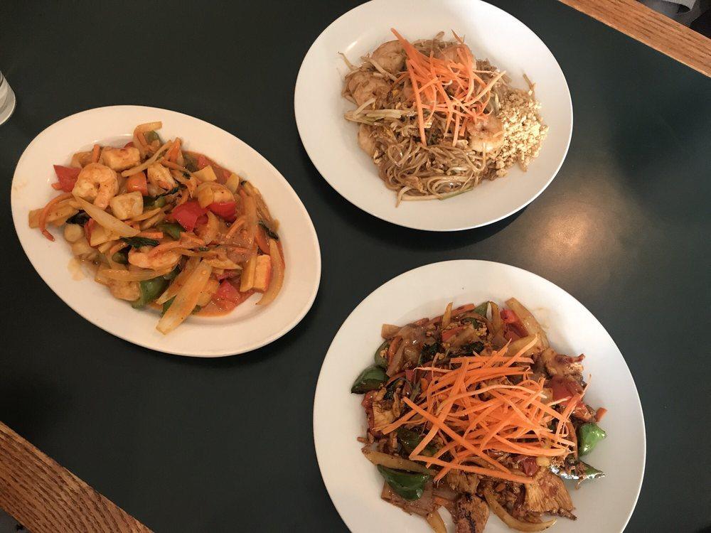 Hong Thai Restaurant: 12998 Main St, Rogers, MN