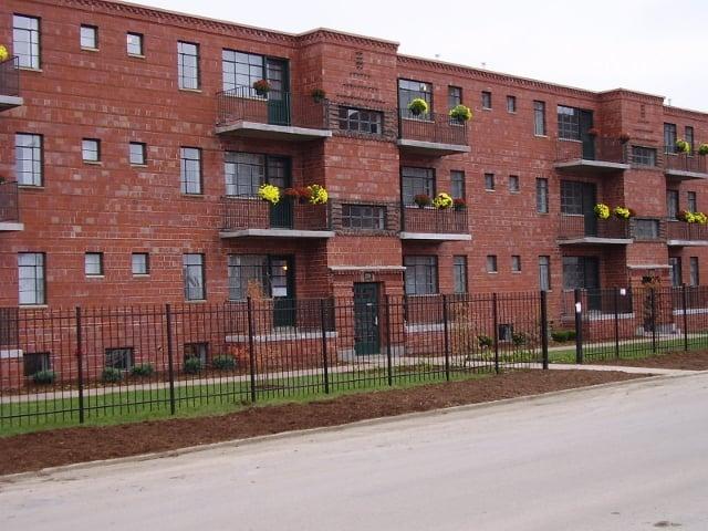 Neighborhood Gardens Apartments: 1200 N 8th St, Saint Louis, MO