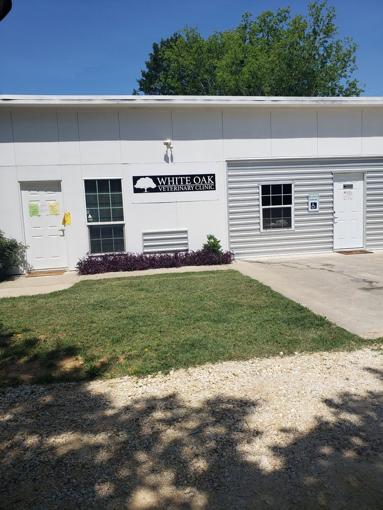 White Oak Veterinary Clinic: 9221 County Rd 105, Grandview, TX