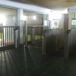 Piscine catherine lagatu piscines 155 avenue parmentier colonel fabien goncourt paris for Piscine goncourt