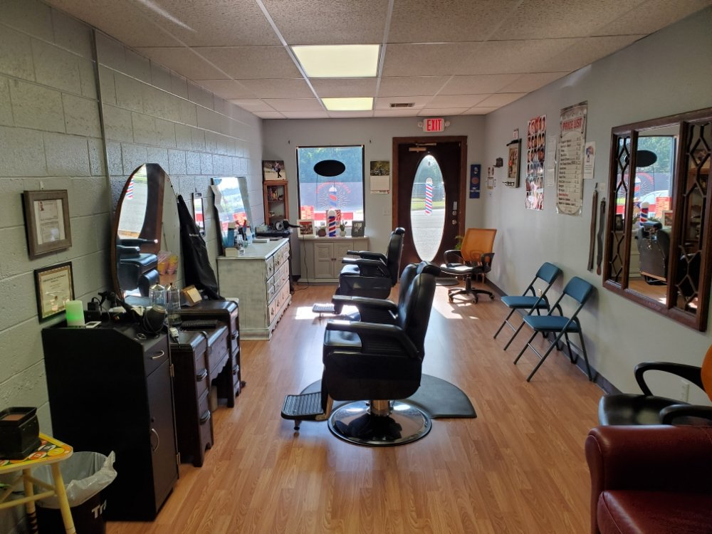 Bob's Family Barbershop: 1211 34th St, Woodward, OK