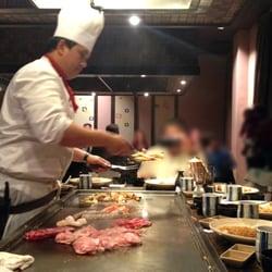 Talk this Asian restaurant mississauga