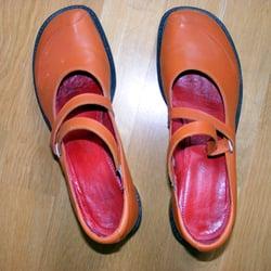 buy popular b9d88 c4ce5 Zeitlos! das Schuhfachgeschäft - Schuhe - Zossener Str. 36 ...