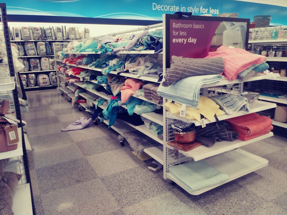 6ad69e88dd04 This store is a mess!! Just trashed!!! All the time recently! - Yelp