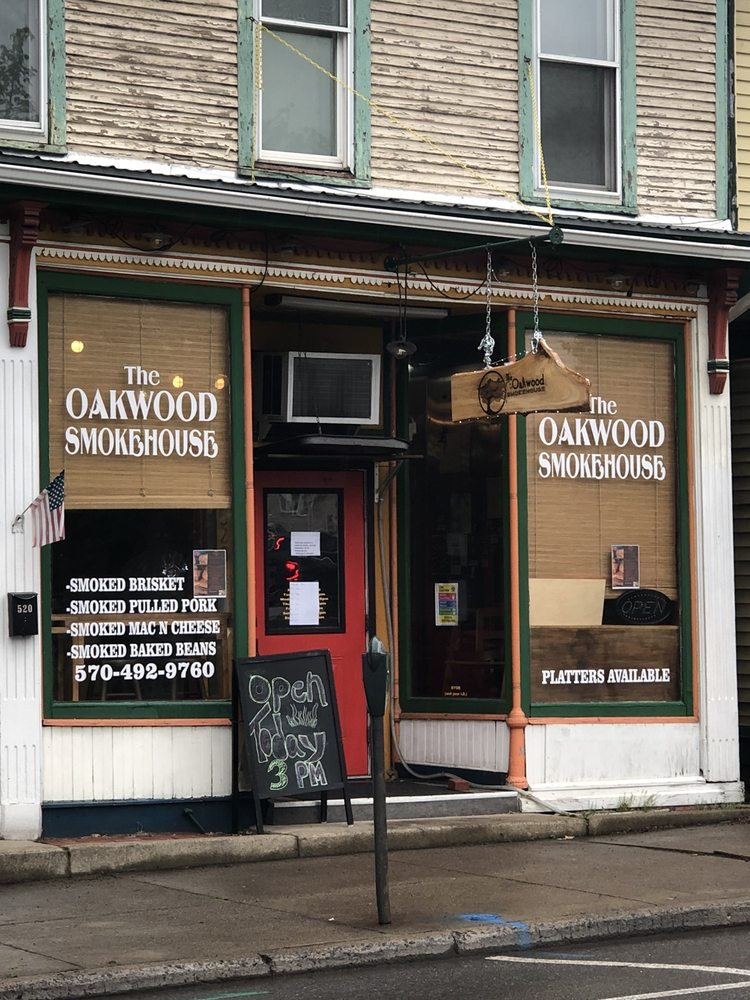 Food from The Oakwood Smokehouse